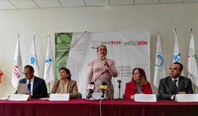 Foto de la ponencia para dar a conocer el primer  Encuentro de Tecnologías para la Inclusión