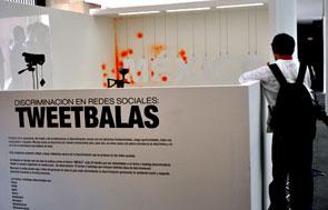 Entrada a la instalación Tweetbalas.