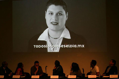 Se proyecta en pantalla el video promocional de la campaña - Foto: Antonio Saavedra.