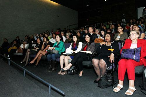 Público presente en el auditorio del Museo Memoria y Tolerancia - Foto: Antonio Saavedra.