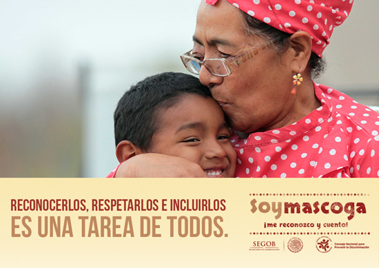 Nieto y abuela, mascogos del estado de Coahuila.