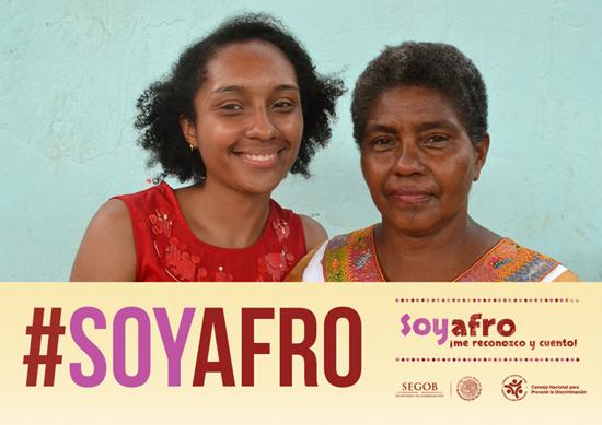 Dos mujeres, hija y madre, participan en la campaña.