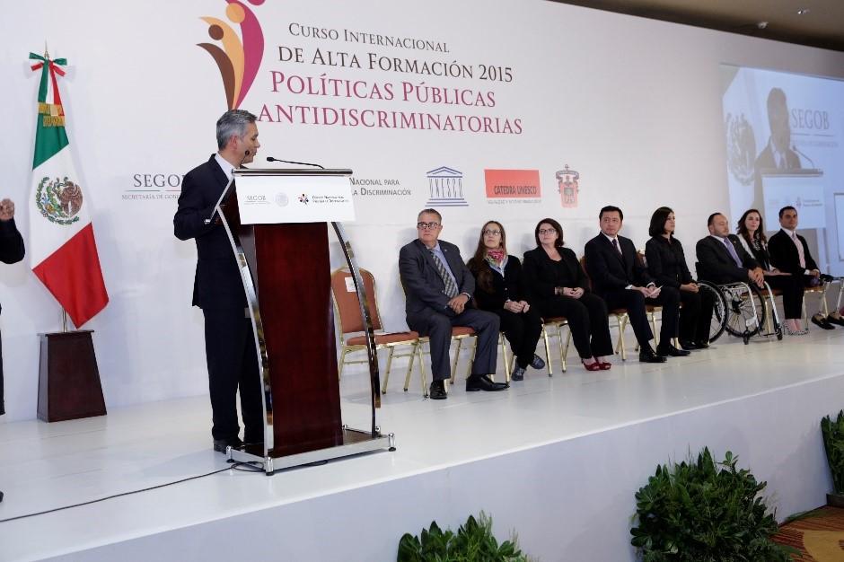 Ricardo Bucio durante su ponencia en el Curso de Alta Formación 2015