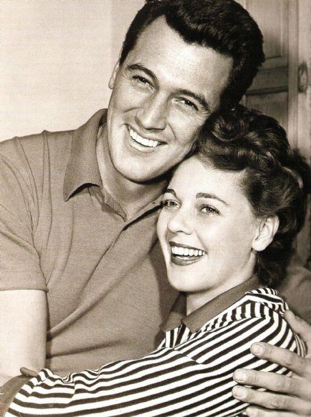 Rock Hudson y su esposa Phyllis Gates se casaron en 1955.